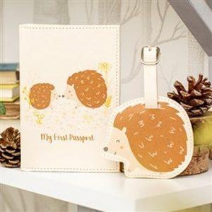hedgehog design passport holder and luggage set